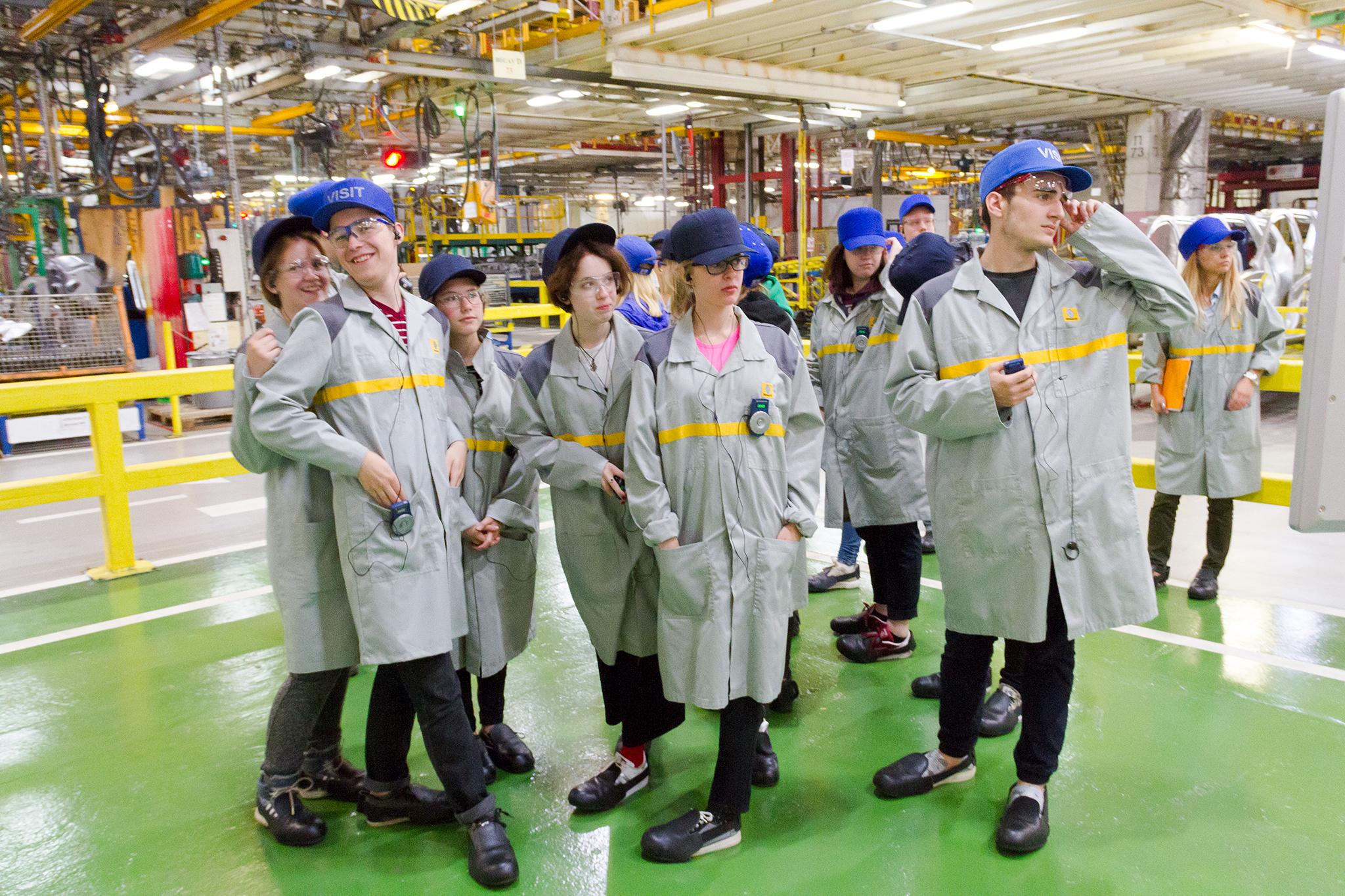 Стажировка в благотворительном фонде ВТОРОЕ ДЫХАНИЕ. Экскурсия на московский завод RENAULT