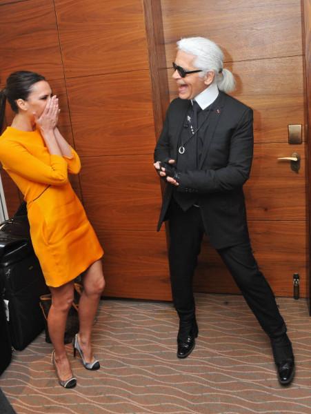 Victoria-Beckham-Karl-Lagerfeld-smiling