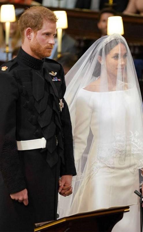 rs_634x1024-180519043419-634-Prince-Harry-Meghan-Markle-Royal-Wedding-JR-051918