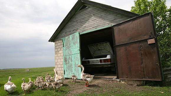 «Гаражная экономика» спасает россиян от нищеты и безработицы