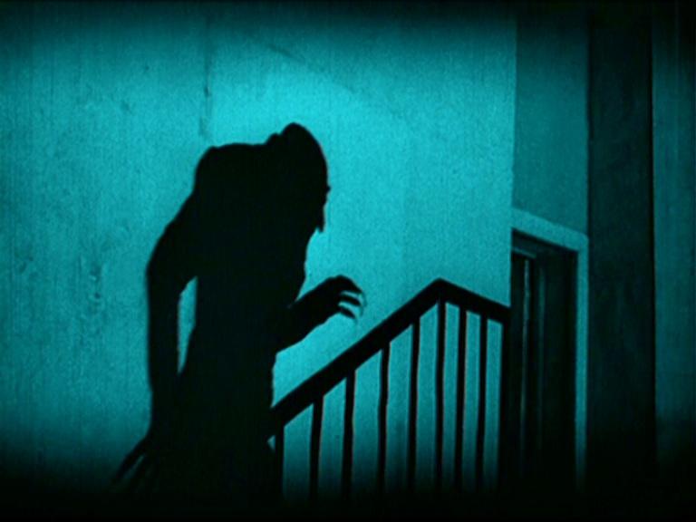 тень на лестнице