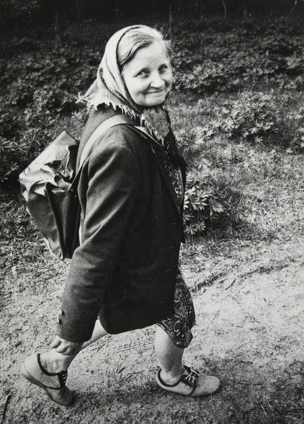 Сельский почтальон, Лепельский район, Белоруссия. 1990. Фотограф Евгений Козюля
