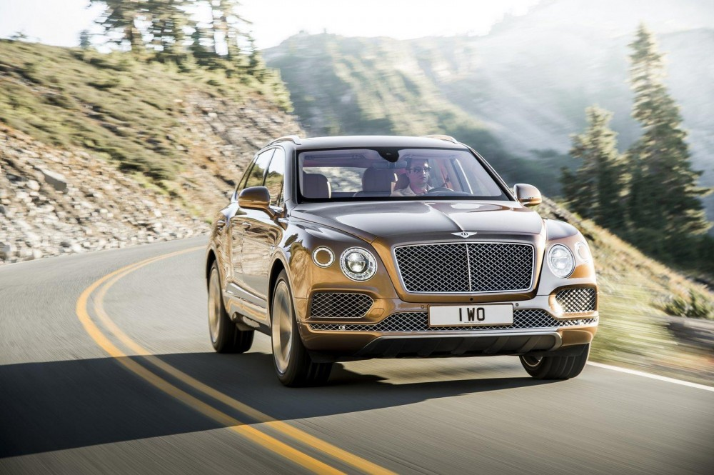 Bentley-Bentayga-2016-01