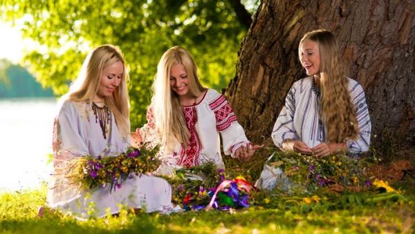 Скачать песня славянские