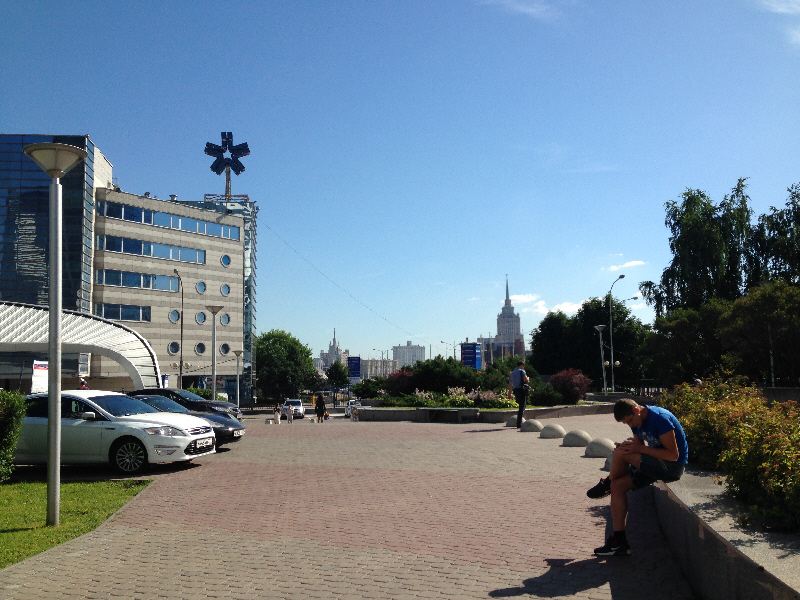 Давайте сравним уровень жизни в Москве и в провинции