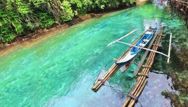 Необычная и зачаровывающая река Hinatuan6