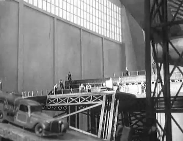 Космический рейс _ Space flight (1935) - научная фантастика.mp4_snapshot_00.07.56_[2016.09.07_09.58.21]