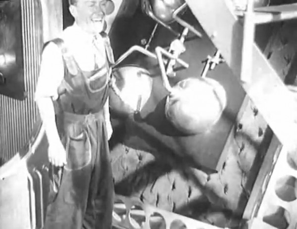 Космический рейс _ Space flight (1935) - научная фантастика.mp4_snapshot_00.10.06_[2016.09.07_10.07.36]