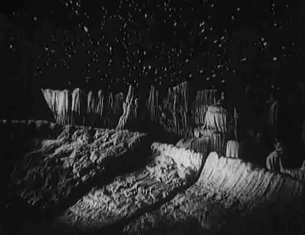 Космический рейс _ Space flight (1935) - научная фантастика.mp4_snapshot_00.35.14_[2016.09.07_11.31.47]