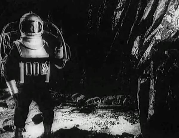 Космический рейс _ Space flight (1935) - научная фантастика.mp4_snapshot_00.39.37_[2016.09.07_11.45.10]