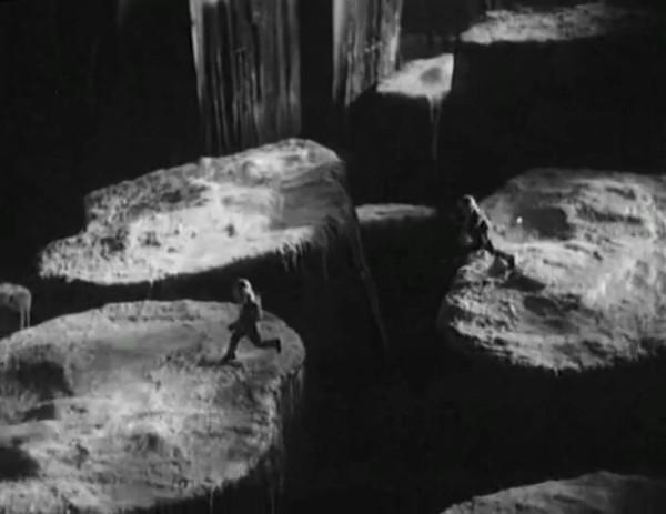 Космический рейс _ Space flight (1935) - научная фантастика.mp4_snapshot_00.45.10_[2016.09.07_12.06.33]