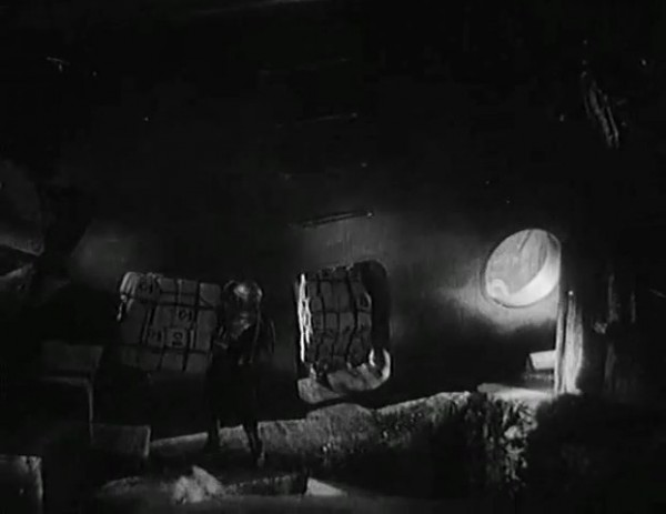 Космический рейс _ Space flight (1935) - научная фантастика.mp4_snapshot_00.47.45_[2016.09.07_12.10.11]