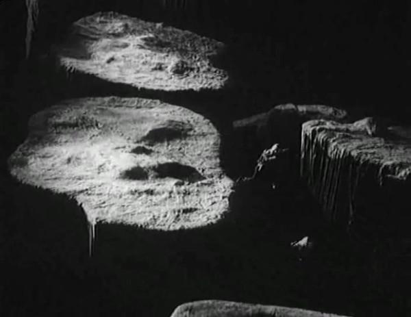 Космический рейс _ Space flight (1935) - научная фантастика.mp4_snapshot_00.53.20_[2016.09.07_12.21.12]