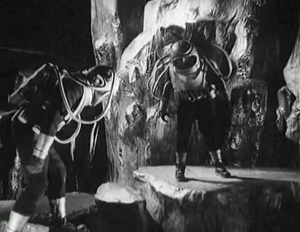 Космический рейс _ Space flight (1935) - научная фантастика.mp4_snapshot_00.53.51_[2016.09.07_12.22.07]
