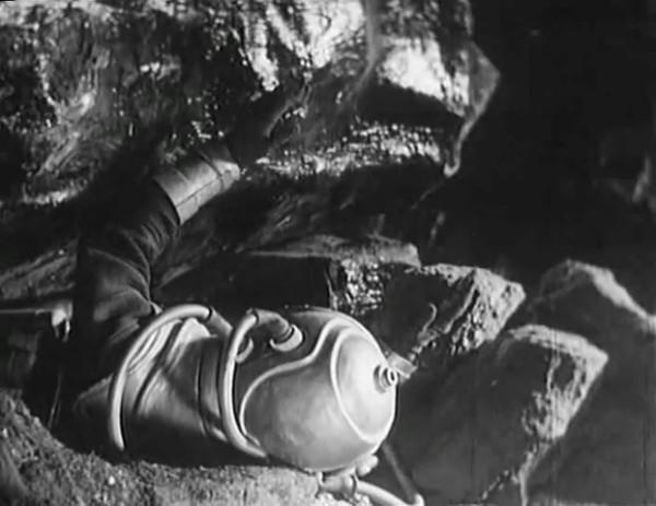 Космический рейс _ Space flight (1935) - научная фантастика.mp4_snapshot_00.54.41_[2016.09.07_12.23.19]