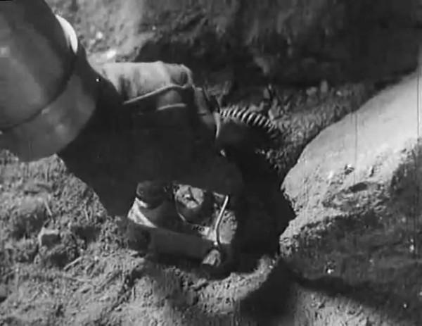 Космический рейс _ Space flight (1935) - научная фантастика.mp4_snapshot_00.54.57_[2016.09.07_12.23.42]