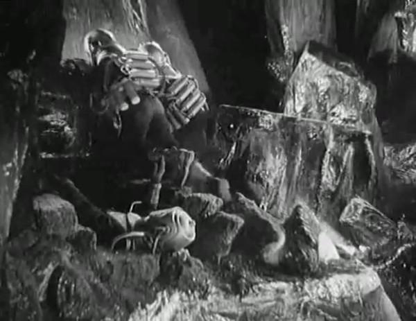 Космический рейс _ Space flight (1935) - научная фантастика.mp4_snapshot_00.55.50_[2016.09.07_12.25.05]