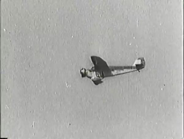 Родина зовёт _ Motherland Calls, The (1936) - историко-героический фильм.mp4_snapshot_00.01.54_[2016.09.14_10.49.42]