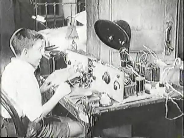 Родина зовёт _ Motherland Calls, The (1936) - историко-героический фильм.mp4_snapshot_00.06.59_[2016.09.14_10.55.31]