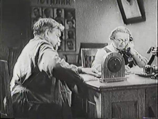 Родина зовёт _ Motherland Calls, The (1936) - историко-героический фильм.mp4_snapshot_00.07.18_[2016.09.14_11.01.43]