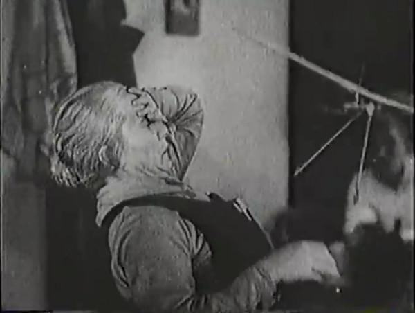 Родина зовёт _ Motherland Calls, The (1936) - историко-героический фильм.mp4_snapshot_00.13.19_[2016.09.14_11.41.27]