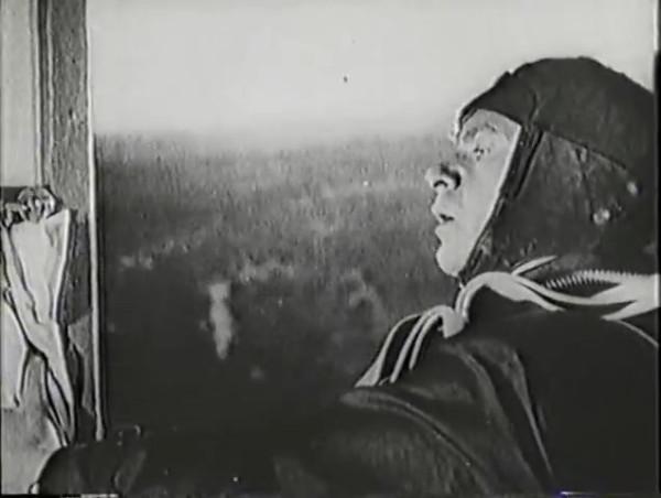 Родина зовёт _ Motherland Calls, The (1936) - историко-героический фильм.mp4_snapshot_00.15.41_[2016.09.14_11.44.37]