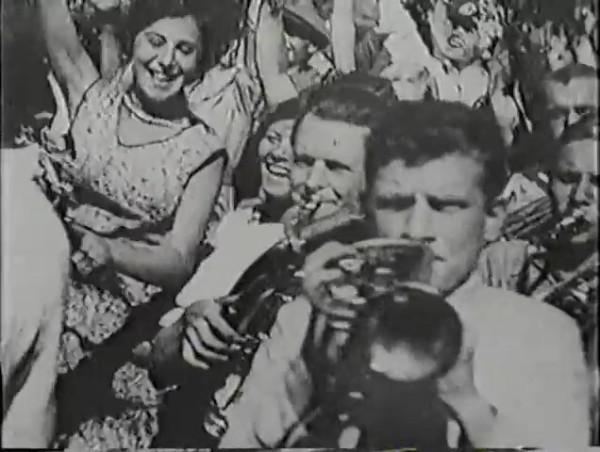Родина зовёт _ Motherland Calls, The (1936) - историко-героический фильм.mp4_snapshot_00.20.21_[2016.09.14_11.51.27]