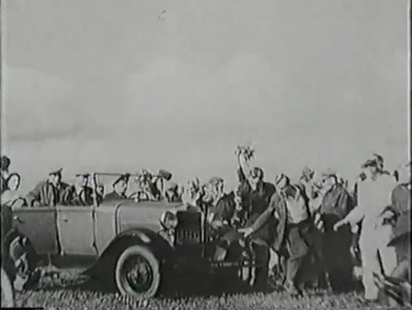 Родина зовёт _ Motherland Calls, The (1936) - историко-героический фильм.mp4_snapshot_00.20.55_[2016.09.14_11.52.10]