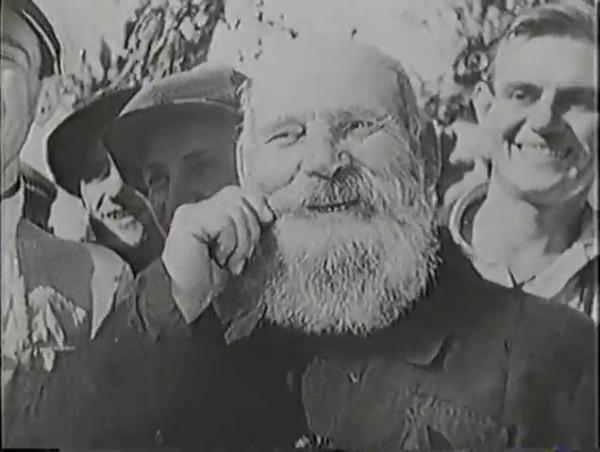 Родина зовёт _ Motherland Calls, The (1936) - историко-героический фильм.mp4_snapshot_00.22.02_[2016.09.14_11.54.17]