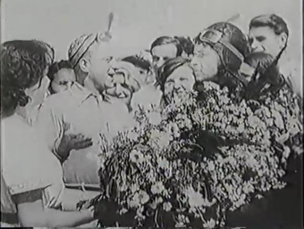 Родина зовёт _ Motherland Calls, The (1936) - историко-героический фильм.mp4_snapshot_00.22.39_[2016.09.14_11.55.26]