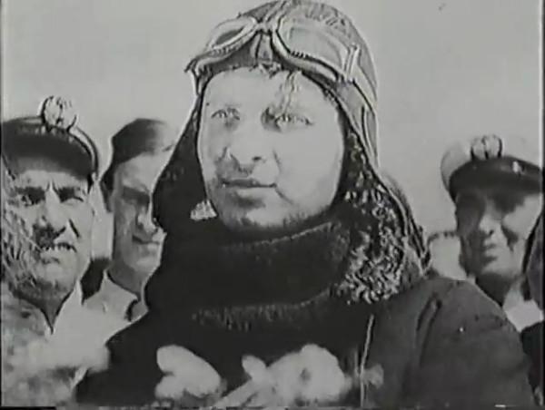 Родина зовёт _ Motherland Calls, The (1936) - историко-героический фильм.mp4_snapshot_00.22.43_[2016.09.14_11.55.33]