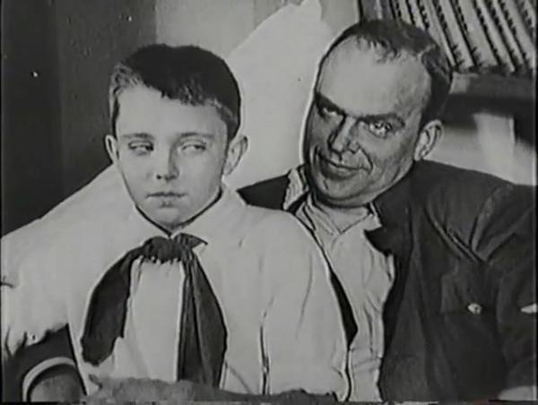 Родина зовёт _ Motherland Calls, The (1936) - историко-героический фильм.mp4_snapshot_00.26.04_[2016.09.14_11.59.14]