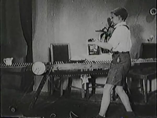 Родина зовёт _ Motherland Calls, The (1936) - историко-героический фильм.mp4_snapshot_00.27.31_[2016.09.14_12.01.47]