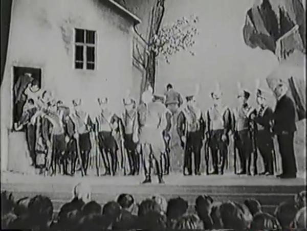 Родина зовёт _ Motherland Calls, The (1936) - историко-героический фильм.mp4_snapshot_00.32.16_[2016.09.14_12.07.06]