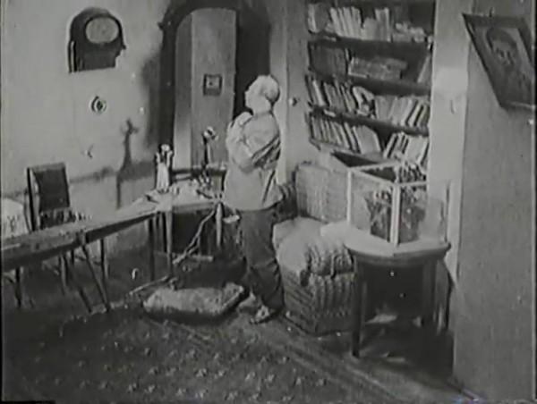 Родина зовёт _ Motherland Calls, The (1936) - историко-героический фильм.mp4_snapshot_00.33.24_[2016.09.14_12.17.37]