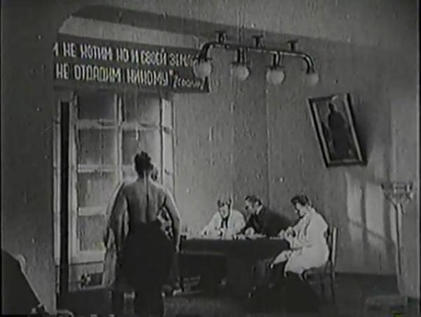 Родина зовёт _ Motherland Calls, The (1936) - историко-героический фильм.mp4_snapshot_00.34.50_[2016.09.14_12.20.22]