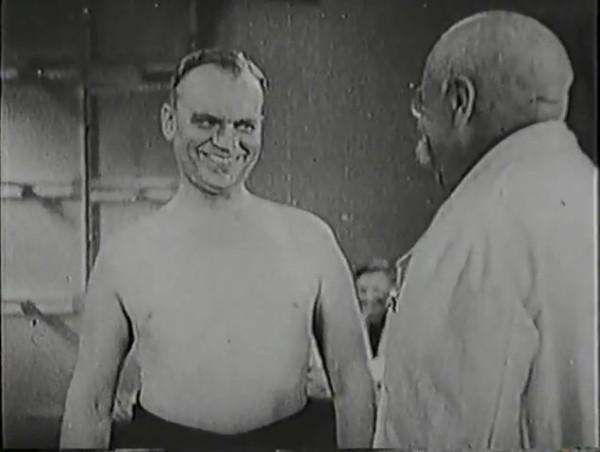 Родина зовёт _ Motherland Calls, The (1936) - историко-героический фильм.mp4_snapshot_00.35.19_[2016.09.14_12.22.32]