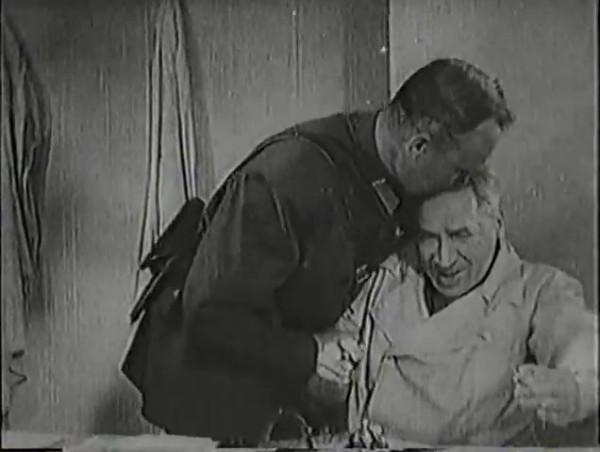 Родина зовёт _ Motherland Calls, The (1936) - историко-героический фильм.mp4_snapshot_00.39.46_[2016.09.14_12.43.47]