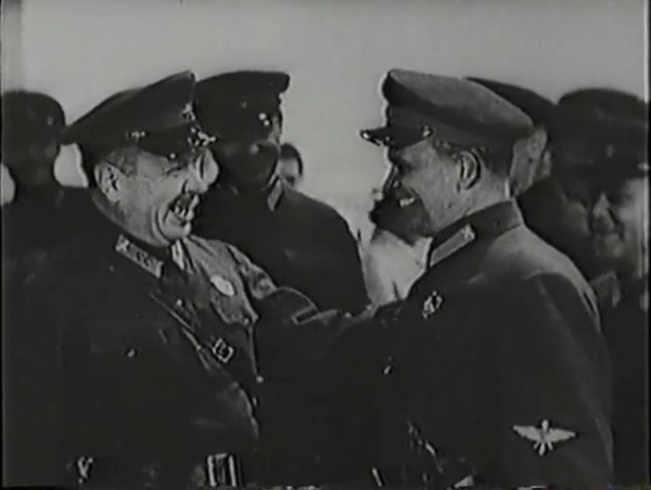 Родина зовёт _ Motherland Calls, The (1936) - историко-героический фильм.mp4_snapshot_00.41.34_[2016.09.14_12.46.44]