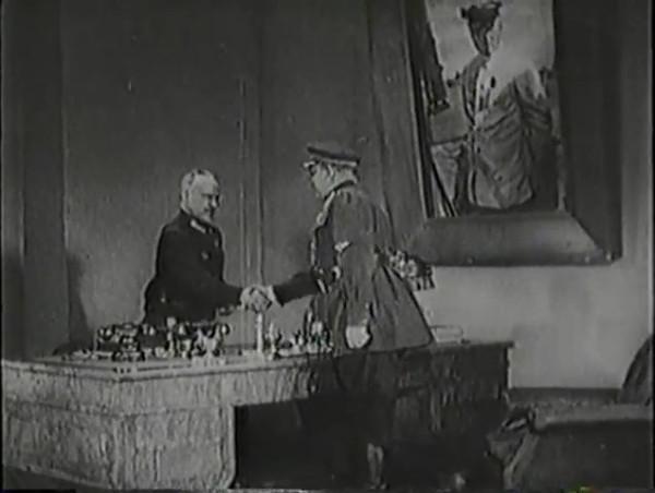 Родина зовёт _ Motherland Calls, The (1936) - историко-героический фильм.mp4_snapshot_00.42.12_[2016.09.14_12.47.31]