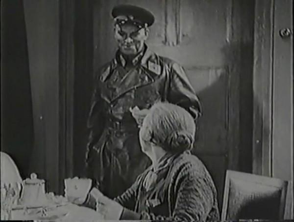 Родина зовёт _ Motherland Calls, The (1936) - историко-героический фильм.mp4_snapshot_00.47.25_[2016.09.14_12.53.20]