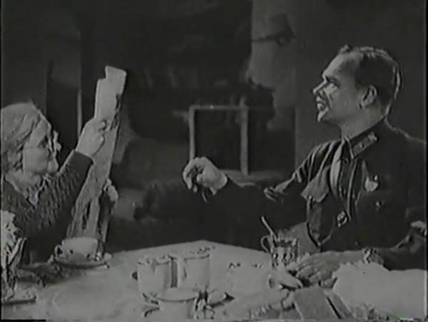 Родина зовёт _ Motherland Calls, The (1936) - историко-героический фильм.mp4_snapshot_00.48.27_[2016.09.14_12.54.32]