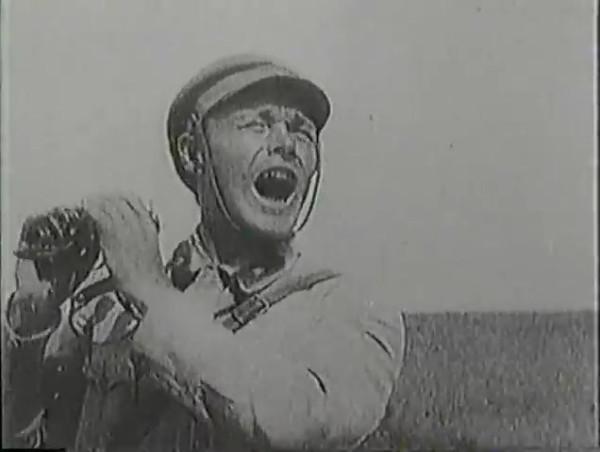 Родина зовёт _ Motherland Calls, The (1936) - историко-героический фильм.mp4_snapshot_00.53.29_[2016.09.14_13.16.42]