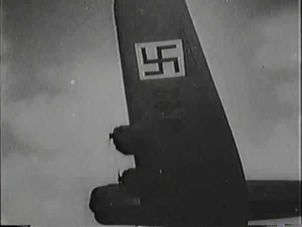 Родина зовёт _ Motherland Calls, The (1936) - историко-героический фильм.mp4_snapshot_00.56.02_[2016.09.14_13.20.27]