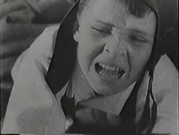 Родина зовёт _ Motherland Calls, The (1936) - историко-героический фильм.mp4_snapshot_00.56.53_[2016.09.14_13.21.33]