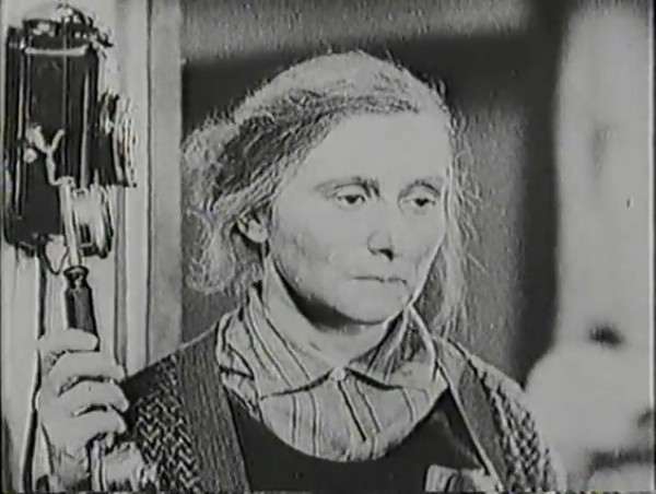 Родина зовёт _ Motherland Calls, The (1936) - историко-героический фильм.mp4_snapshot_01.05.26_[2016.09.14_13.29.23]