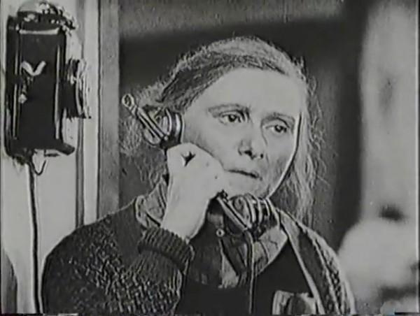 Родина зовёт _ Motherland Calls, The (1936) - историко-героический фильм.mp4_snapshot_01.06.25_[2016.09.14_13.30.30]