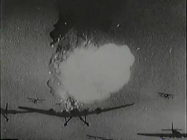 Родина зовёт _ Motherland Calls, The (1936) - историко-героический фильм.mp4_snapshot_01.08.28_[2016.09.14_13.32.28]