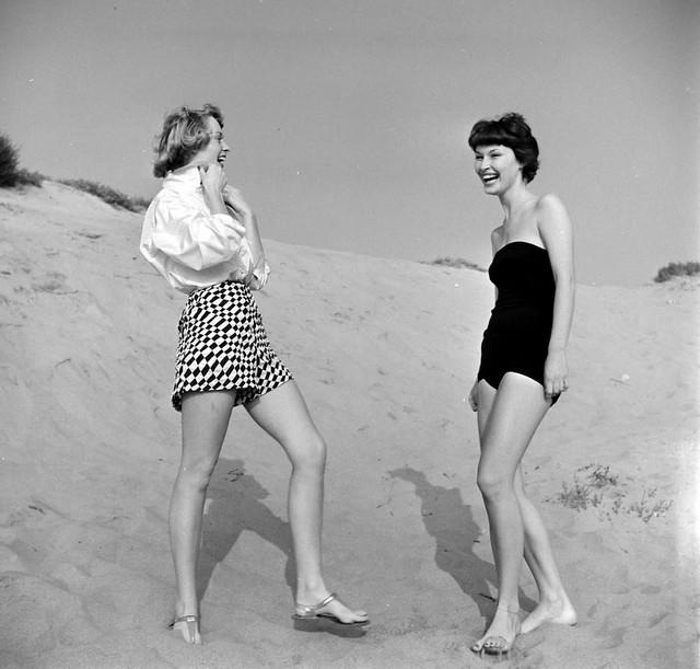 Пляж и модницы 20 век,Фото,США,Пятничные бабы