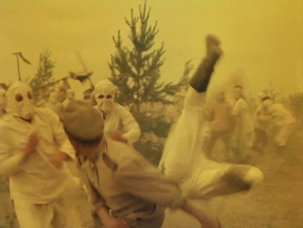 Nebyvalshina.(1983).DVDRip.by-Xamasas.avi_snapshot_00.50.39_[2017.06.04_12.22.23]